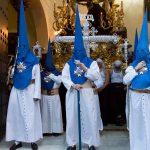 Tunica-nazarena-de-la-hermandad-El-Montserrat-de-Sevilla-viernes-santo