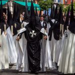 Tunica-nazarena-de-la-hermandad-El-cachorro-de-Sevilla-viernes-santo