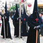 Tunica-nazarena-de-la-hermandad-El-carreteria-de-Sevilla-viernes-santo