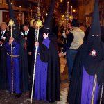 Tunica-nazarena-de-la-hermandad-El-mortaja-de-Sevilla-viernes-santo